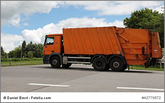 Nicht zu übersehen: oranger Müllwagen