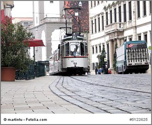 Eine Straßenbahn in Augsburg