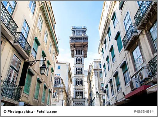 Der Stadtaufzug Santa Justa im portugiesischen Lisabon