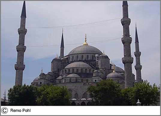 Die blaue Moschee im türkischen Istanbul