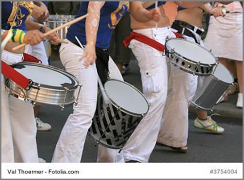 Sambatrommeln sorgen für den Rhythmus