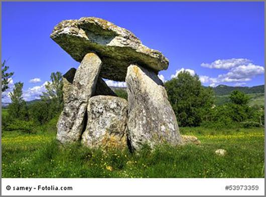 Tonnenschwer: Ein Dolmen