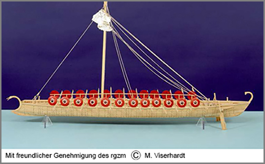 Modell eines römischen Flusskampfschiffs