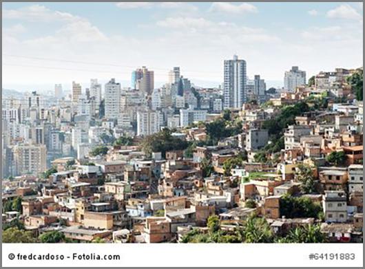 Am Hang gebaut: eine Favela im brasilianischen Belo Horizonte
