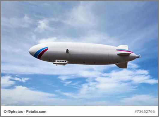 Ein modernes Luftschiff hebt ab