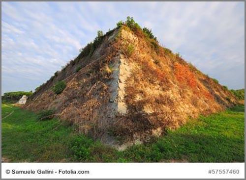 Die frühneuzeitliche Stadtmauer von Palmanova