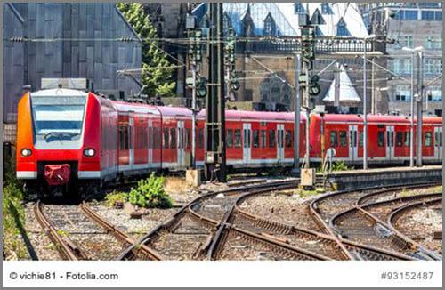 Fährt nicht immer über der Erde: eine S-Bahn