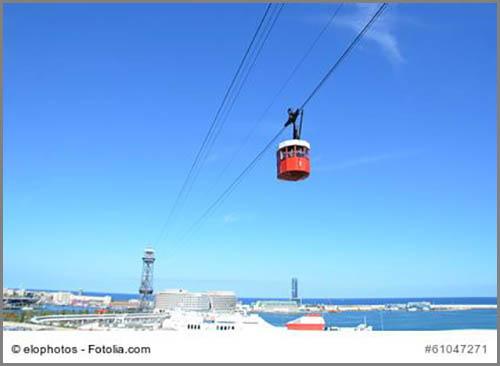 Trägt Passagiere in luftige Höhen: eine Seilbahn im spanischen Barcelona