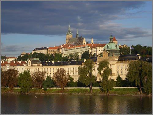 Stadt am Fluss: das wunderschöne Prag in Tschechien